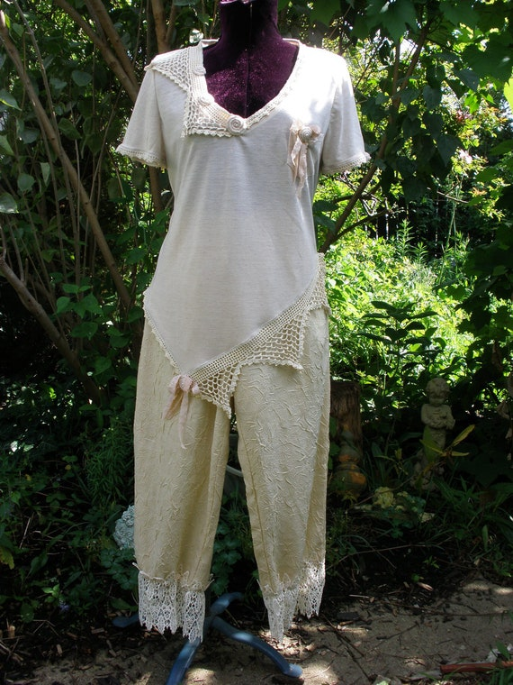 My Ladies Fine Pantaloons Cream Capri Style Drawstring Pant with ruffled Vintage Lace Hem and Heart shaped Pocket