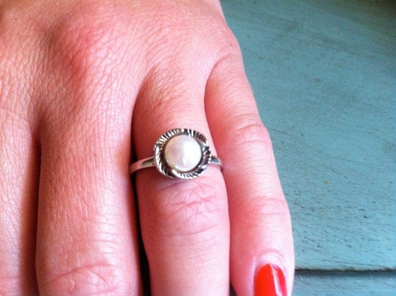 Mid-Century Unique Cultured Pearl Sterling Silver Ring - Size 7