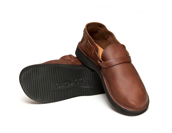 s brown handmade leather shoes