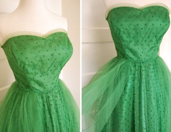Vintage 1950s Party Dress in Fabulous Green Tulle with Sparkle