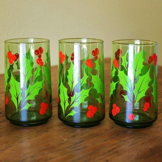 Vintage set of christmas drinking glasses holly by sariloaf