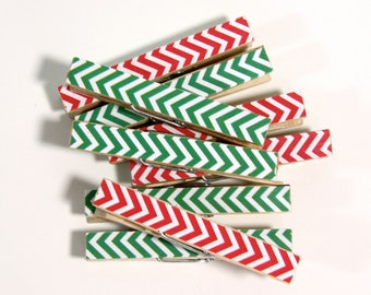 Clothespins.  Set of Ten. Red and Green Chevron