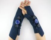 fingerless arm warmers arm cuffs  fingerless gloves mittens eco friendly  navy blue recycled wool tagt curationnation