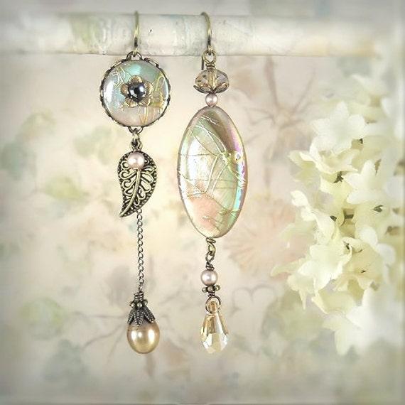 Daybreak Asymmetrical Earrings - Unique Bridal Jewelry - Mermaid Earrings - Beach Wedding - Sea Shell Earrings - Cream Ivory Beige Vanilla