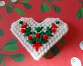 Plastic Canvas Christmas Heart Magnet