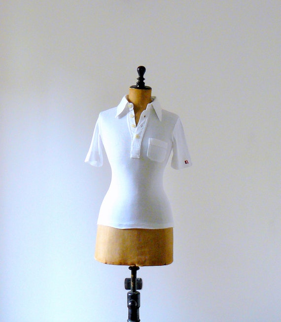 Vintage 1970s white cotton t-shirt. summer fashion