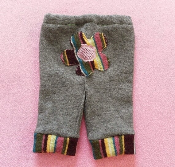 MEDIUM/LARGE Applique Wool Capri Pants or Shorties - Size 12 to 18 months
