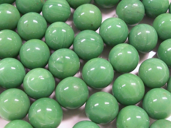 VINTAGE GLaSS Marbles Green Fifty (50) GREEN Marbles Shooters Swirls Opaque Solid GReeN Glass Destash (G80)