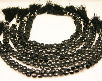 1strnad - black spinal faceted heart sized 6.5 by 6.5mm
