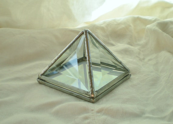 """3"""" Stained Glass Pyramid Trinket Box bevelled with irridescent white base"""