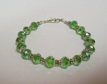 7 1/2 inch Dressy Bracelet ....  Green and Silver ... Fancy, Dressy, lovely bracelet ... and .99 US shipping