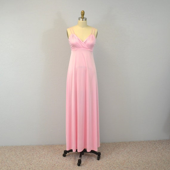 Vintage evening gown / maxi dress / candy pink / sexy spaghetti straps