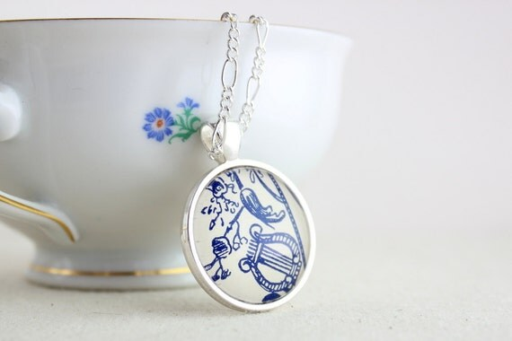 Romantic blue and white lyre flourish vintage style silver plated necklace pendant for women