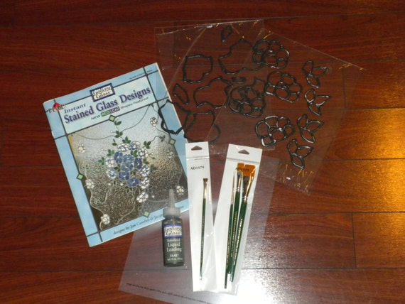 Plaid Instant Stained Redi Lead Glass Plus Wood Wreath