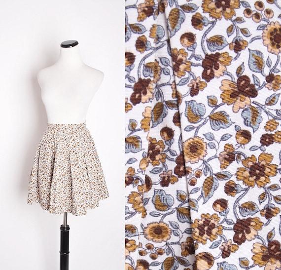 Vintage 1960s Autumn Tone Fall Mini Circle Cotton Skirt with Floral Acorn Pattern 0367