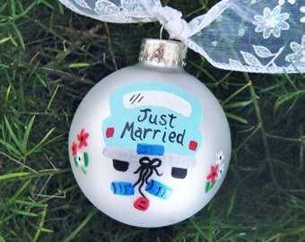 Personalized Wedding Ornament - Just Married Car - Hand Painted Glass Ornament, Wedding Car, Christmas Bauble, Wedding Favor Keepsake
