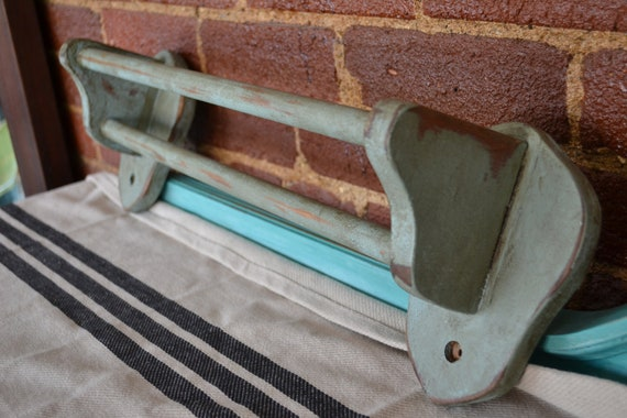 Shabby Cottage two rung towel rack.