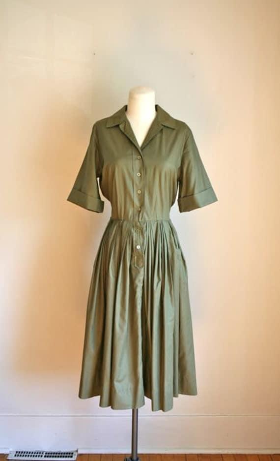 vintage 60s shirtwaist dress - OLIVE green shirt dress / S-M