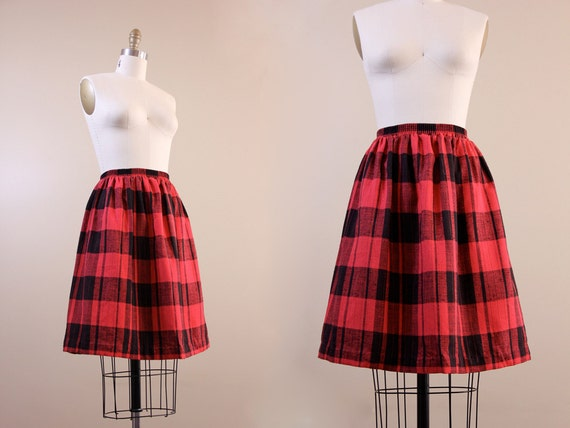 buffalo plaid skirt / vintage skirt / XS S small red black plaid skirt