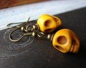 Creepy // Yellow Howlite Stone Skull Halloween Earrings