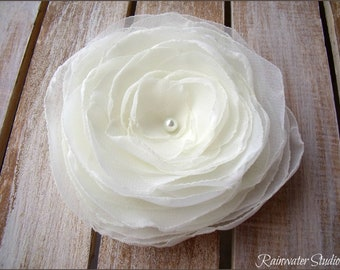 Antique Ivory Wedding Hair Flower, Antique Ivory Hair Fascinator, Bridal Hair Accessory, Hair Clip