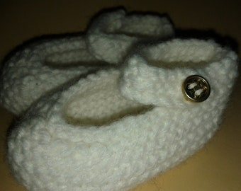 Sweet White Mary Jane  Baby Bootie Shoe - handknit Size 0/1