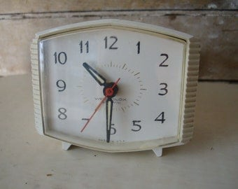 Vintage Modern Retro GE General Electric Alarm Clock  Made In The USA