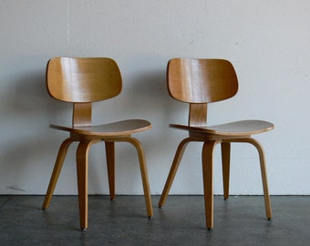Vintage Mid Century Modern Thonet Plywood Chair (Set of 2)