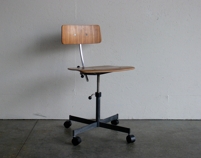 Mid Century Modern Kevi Office Chair