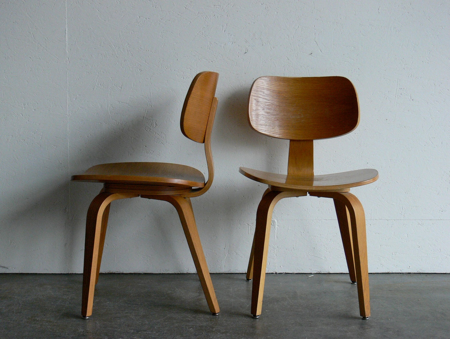 on hold vintage mid century modern thonet plywood chair set. Black Bedroom Furniture Sets. Home Design Ideas