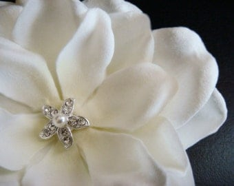 Ivory Flower with petite rhinestone and pearl starfish hair clip / ivory hair flower / ivory bridal flower off white clip pin comb