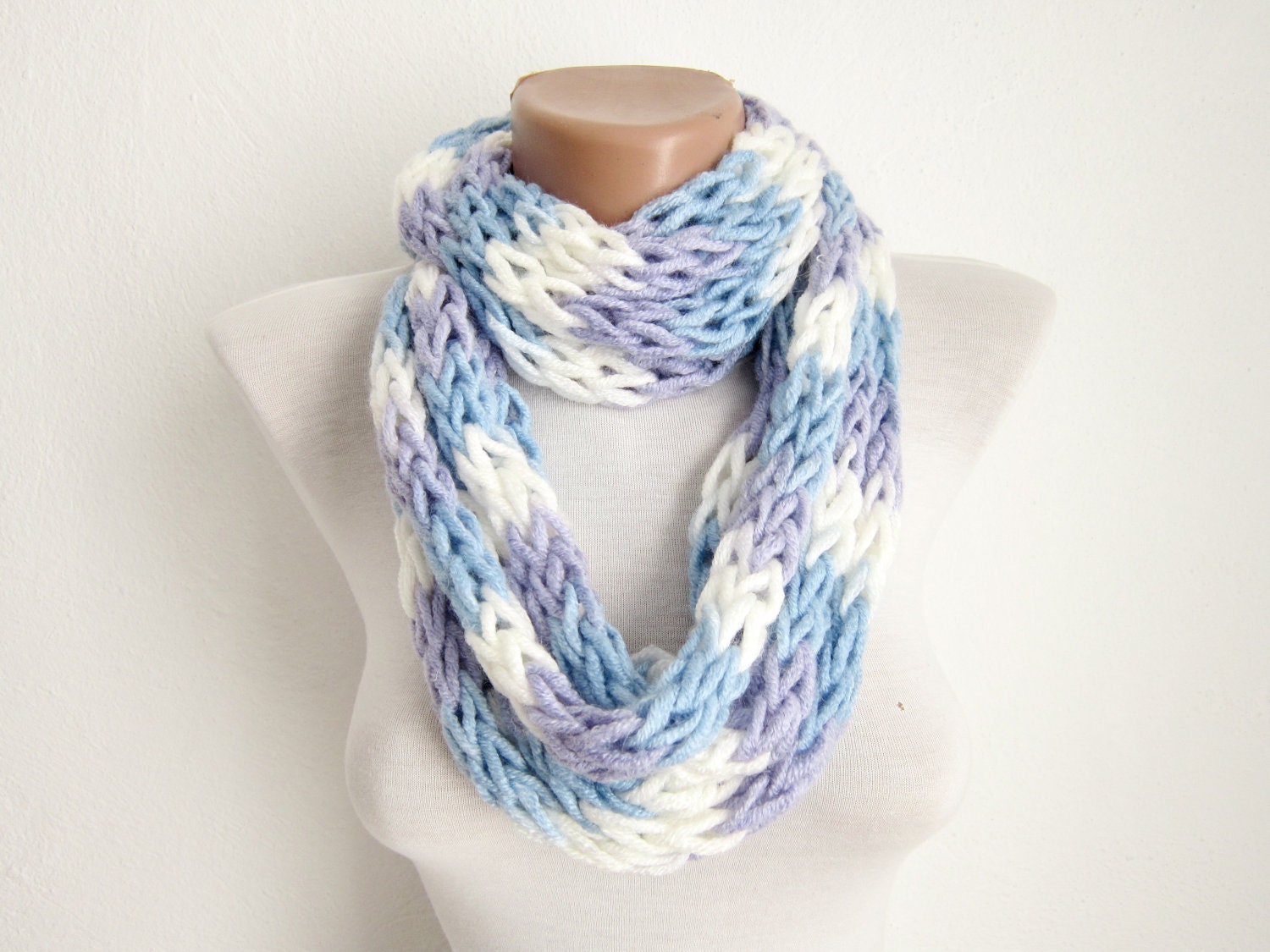 finger knitting scarf blue lilac white multicolor necklace