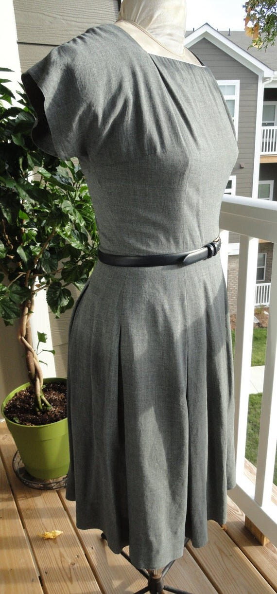 Vintage late 1940's early 1950's Dress in Grey