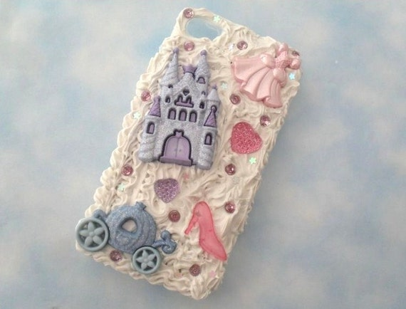 deco iphone 4/4s case - Princess Themed, whip cream, rhinestones, hearts, castle and carriage