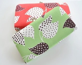 Leaf and Dot in Green - Small flat clutch