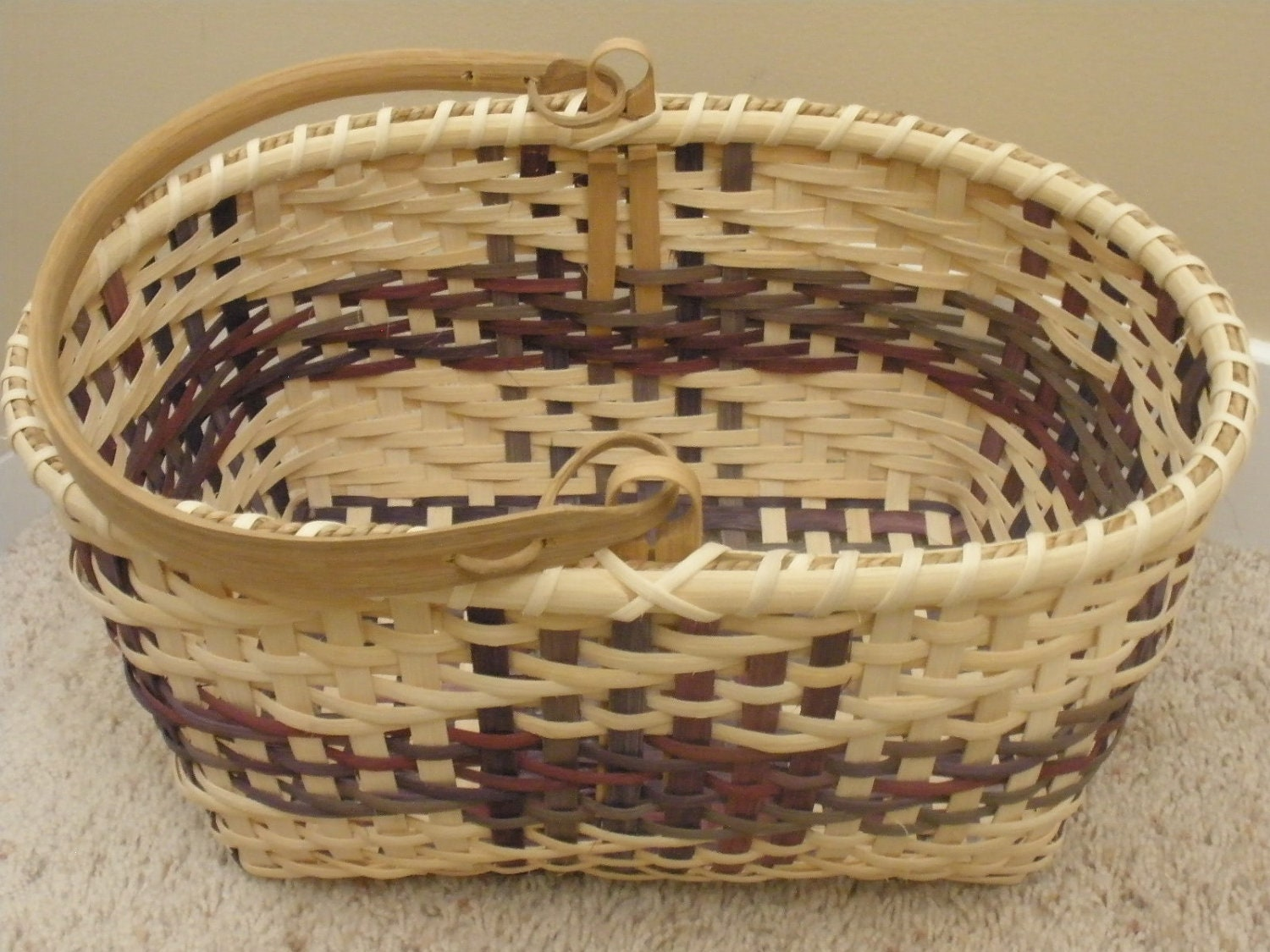 How To Hand Weave A Basket : Squared hand woven basket with handle