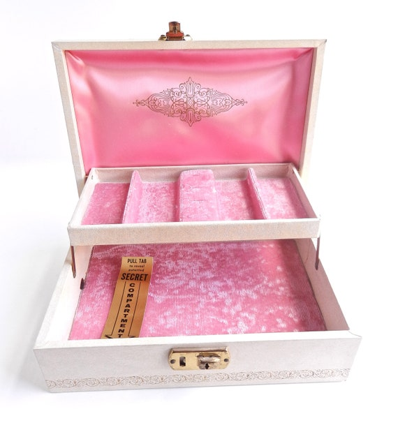Vintage Jewelry Box -  Pink & Off White Golden Filigree 1950s Box / Chic Treasure