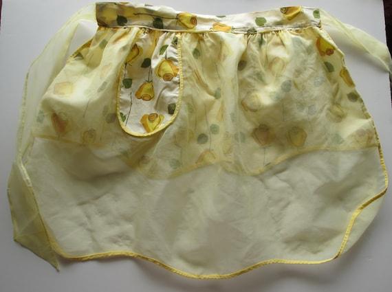 SALE - Vintage Hostess Apron Yellow Roses Reversible scalloped