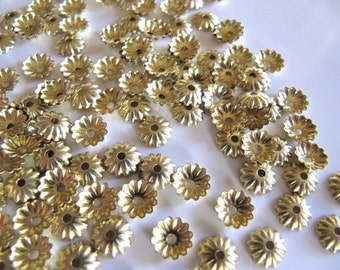 6mm Fluted Bead Caps in Unplated Gold Tone Brass, 100 Pieces, Frames, Spacers