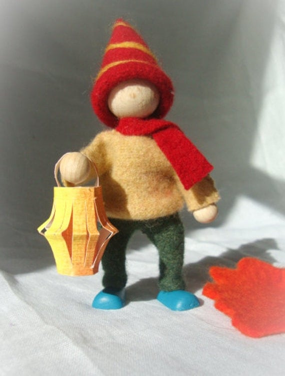 Waldorf gnome, lantern walk Gnome, Felt Gnome, Autumn, Fall, Green, yellow, natural gnome, autumn natural scene decoration - Made to order