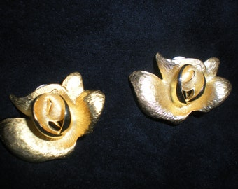 Erwin Pearl Clip On Earrings