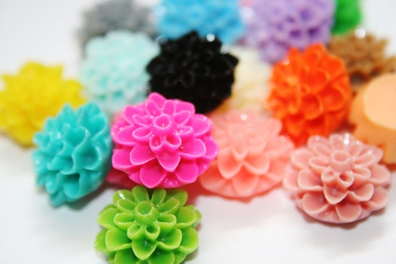 30% OFF WHOLESALE 100 Piece 15mm Chrysanthemum Cabochon Flowers for Rings Earrings Bobby Pins Dahlia Mum