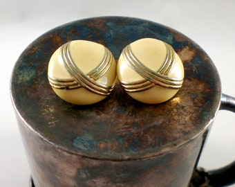 Round ivory and gold earrings