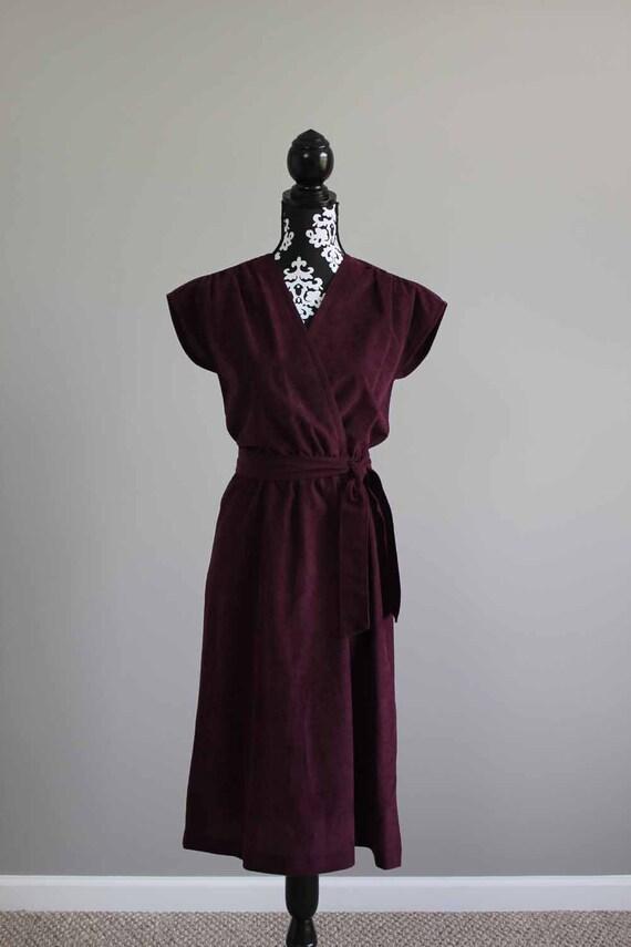1970s plum sleeveless dress SIZE M