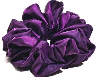 Sateen Scrunchie in Purple