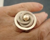 Vintage Silver Coil Cocktail Ring with Pearl