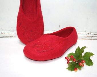 Women slippers - handmade felted slippers for women - Snowball - wool shoes - Valentine's day gift, Easter gift