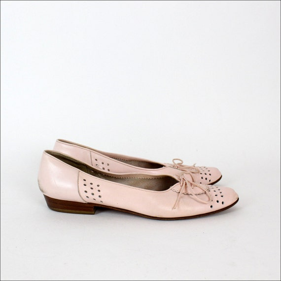 pastel pink leather flats 9 / lace up oxford style detailing