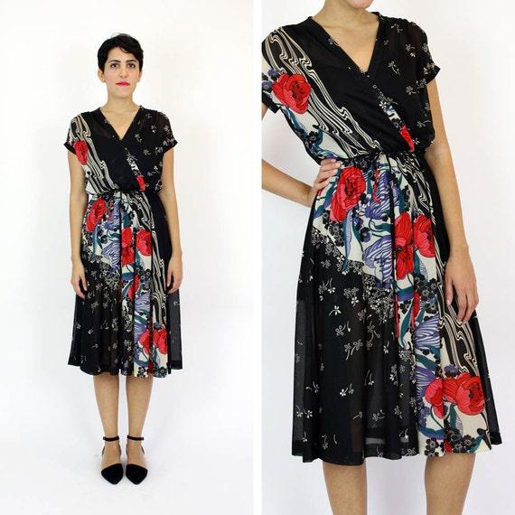 poppy print 70s dress / Sheer wrap style dress S/M