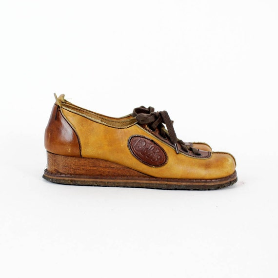 bump toe leather shoes 6 / wood wedge lace up kickers